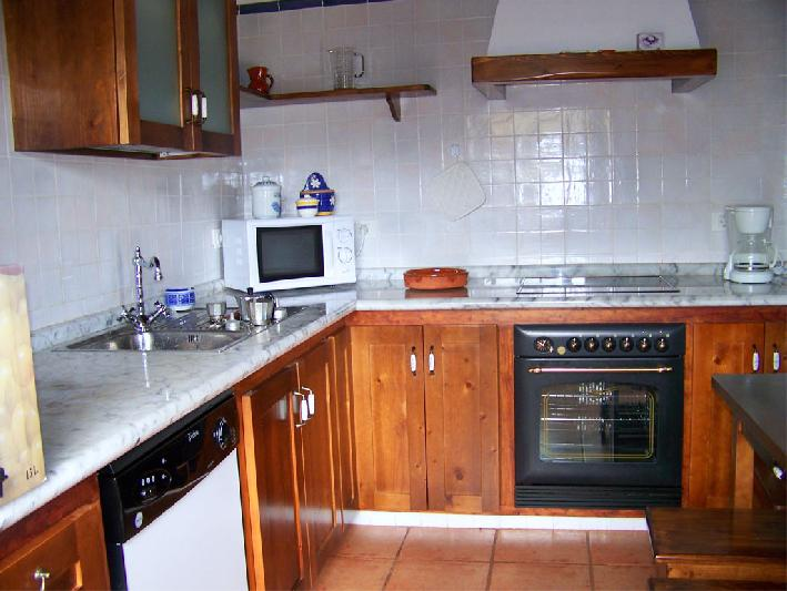 Casa Las Embelgas kitchen