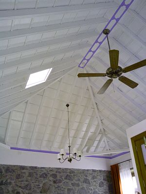 Casa Marilan ceiling