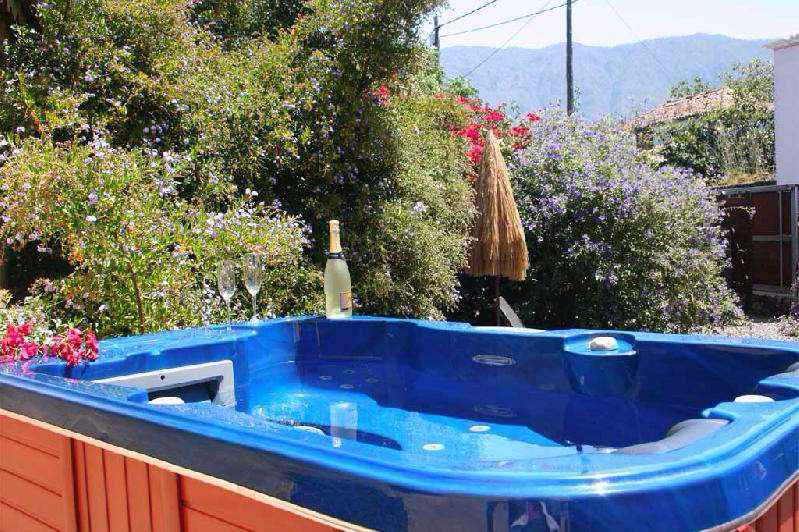 house to rent with spa jacuzzi el paso