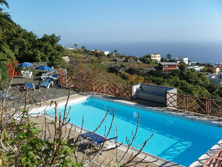 corral de payo casita blanca swimming pool and view
