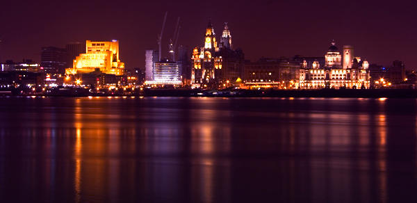 3720-Liverpool waterfront at night