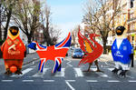 Abbey Road crossing with two of the Fab 4 being kept apart!  - tent fold Photo Card (L028)