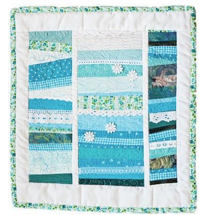 p1010887-strip-patchwk-hanging-turq