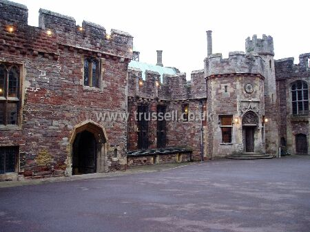 Great Hall at Berkeley Castle 1