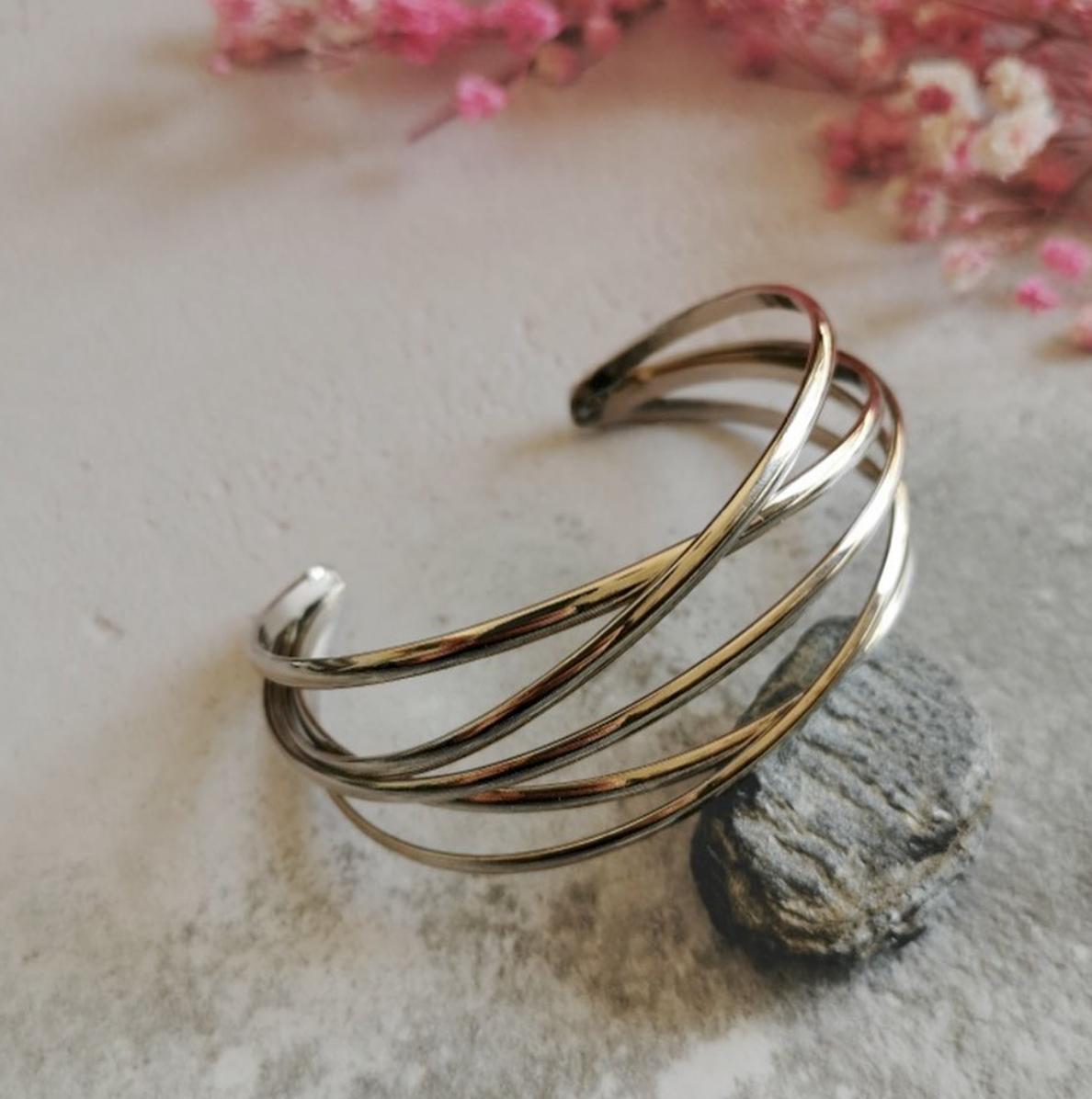 SIlver Tone Bracelet by Emi Jewellery