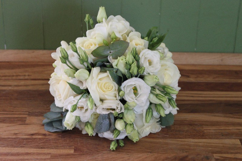 White brides bouquet