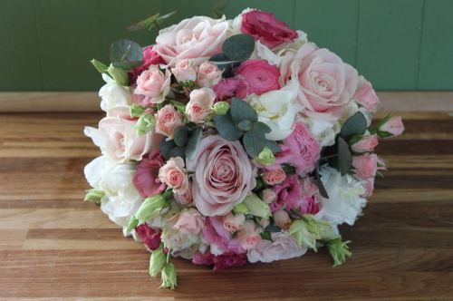 Rose and ranunculus brides bouquet