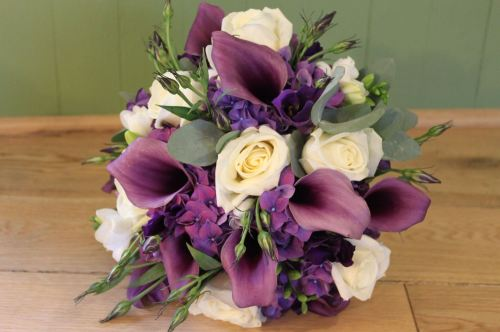 Rose and calla lily brides bouquet