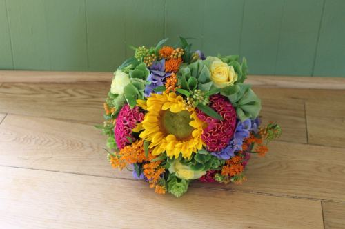 Vibrant summer brides bouquet