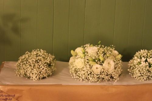 babies breath and lisianthus brides bouquet