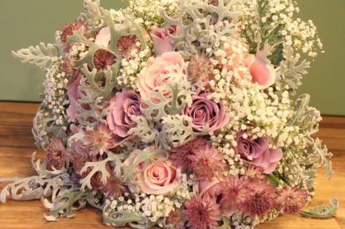 vintage rose brides bouquet