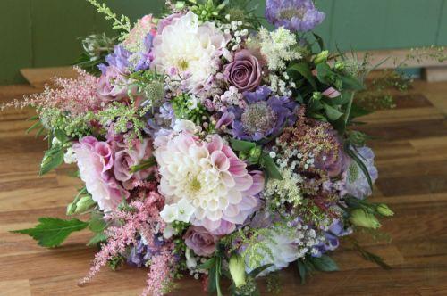 vintage summer brides bouquet