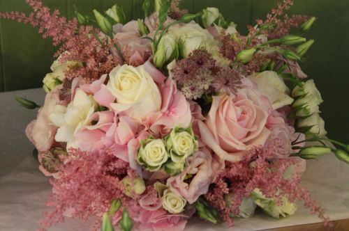 pink and ivory brides bouquet
