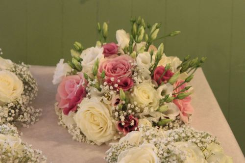 Rose and lisianthus brides bouquet