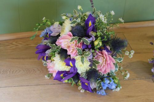 country summer brides bouquet