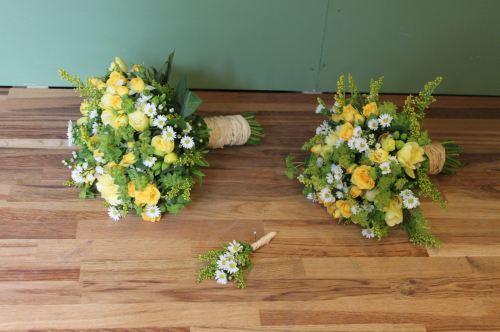 rustic bridesmaids bouquets