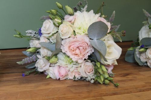 pastel summer rose bridesmaids bouquets