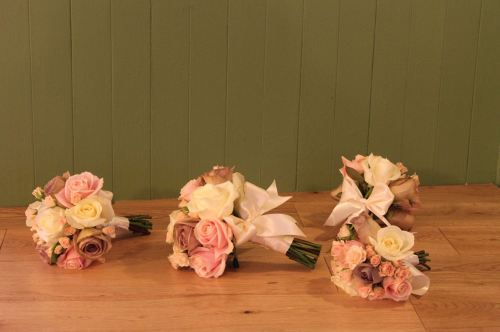 vintage rose bridesmaids bouquet