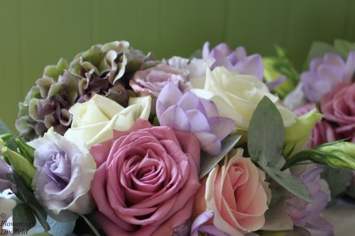 pastel rose bridesmaids bouquet