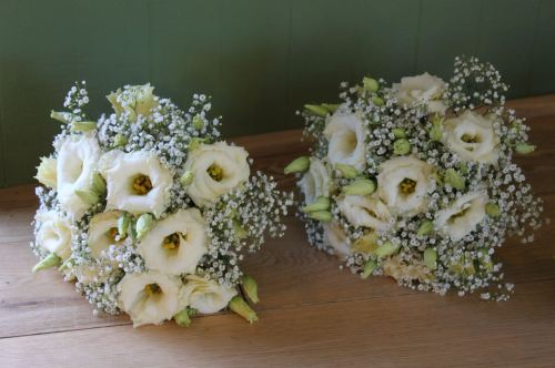 lisianthus and babies breath bridesmaids bouquet