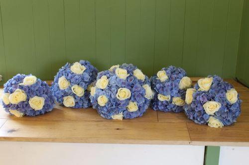 rose and hydrangea bridesmaids bouquet