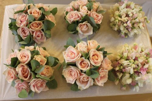 sweet avalanche rose and sweet pea bridesmaids bouquet