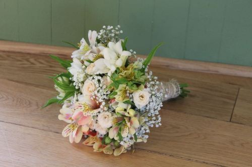 pastel summer bridesmaids bouquet
