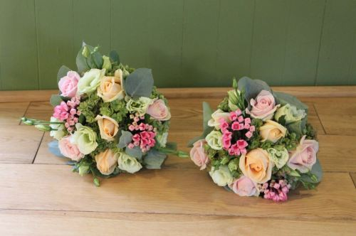 pink and peech rose bridesmaids bouquet