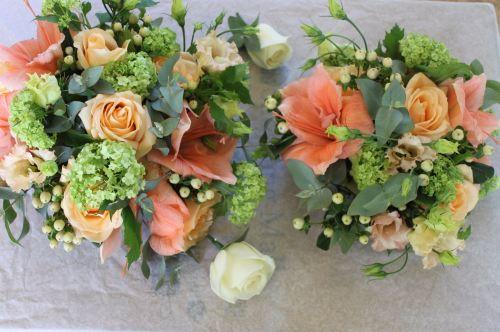 peech and green bridesmaids bouquet