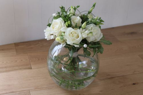 avalanche rose and lisianthus bowl table arrangement