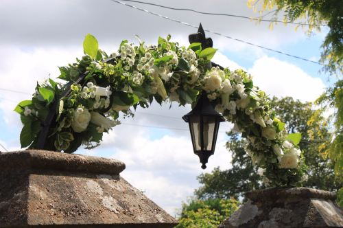 floral arch at wivelsfield church