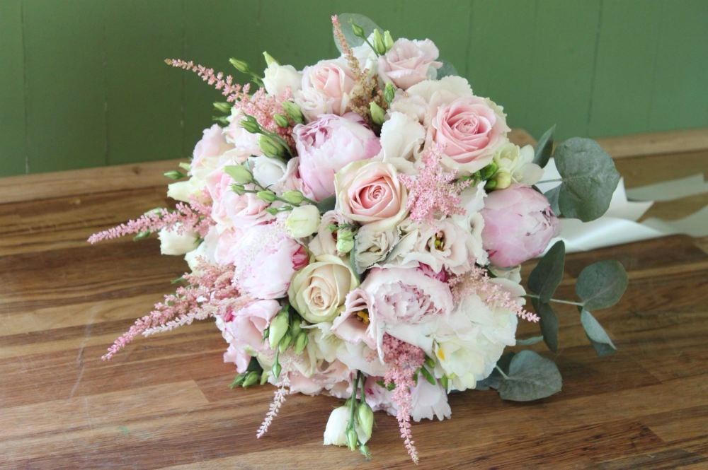 Beautiful wedding flowers, bouquets and venue decoration