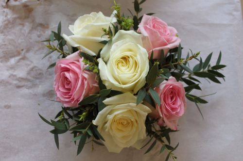 tied rose posy