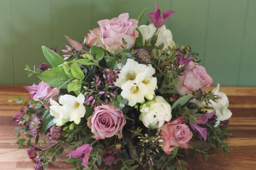 white and lilac posy