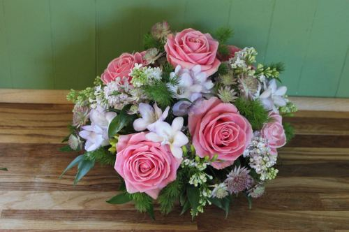 rose and freesia posy