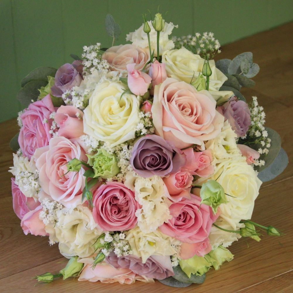 Rose and Lisianthus Hand-tied Posy
