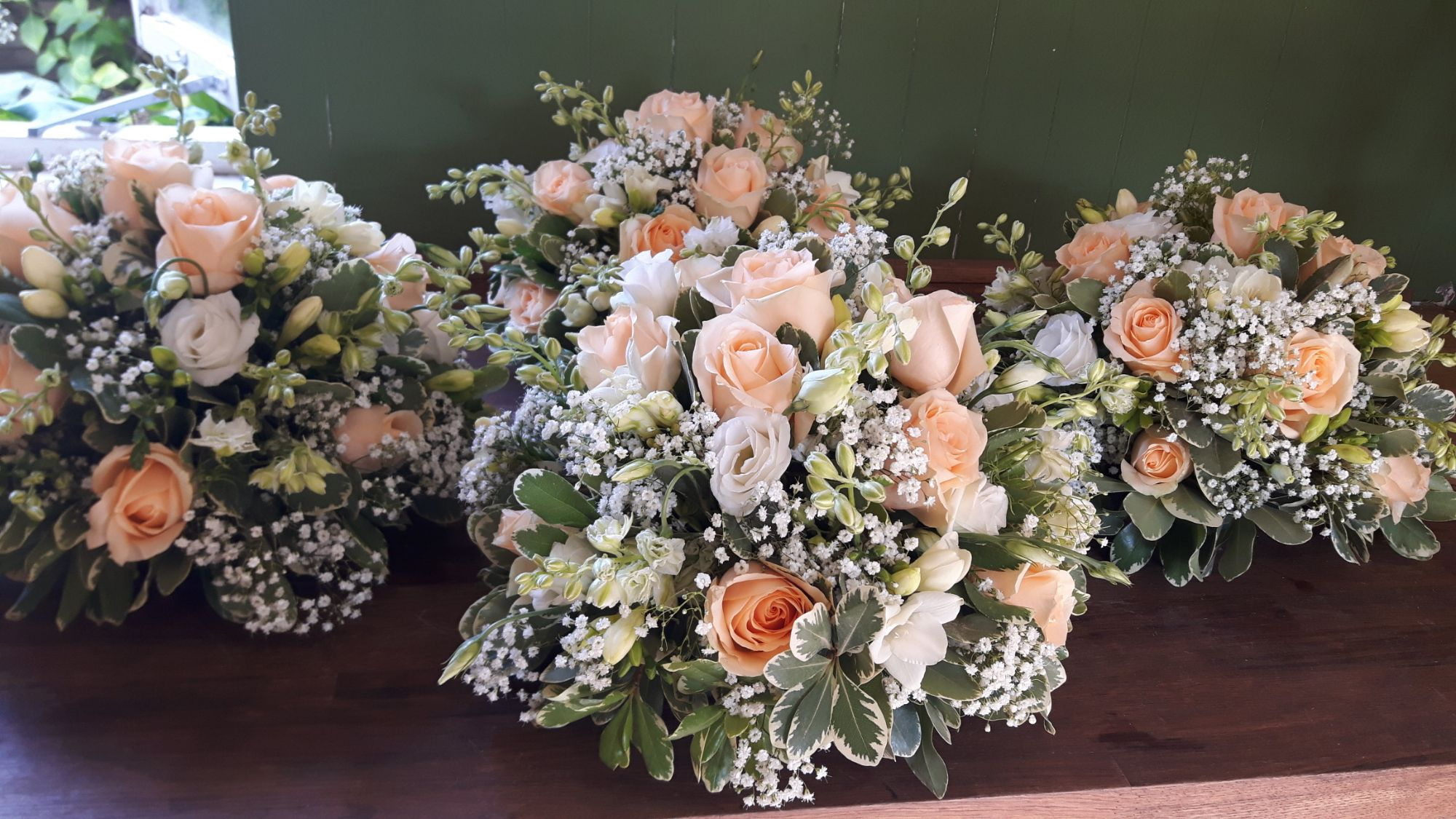 Peach and white posy