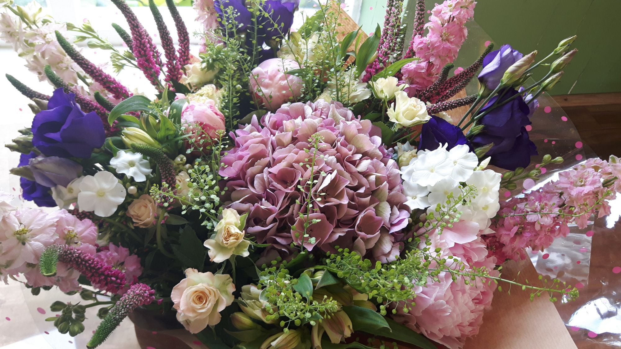 send flowers to Hickstead