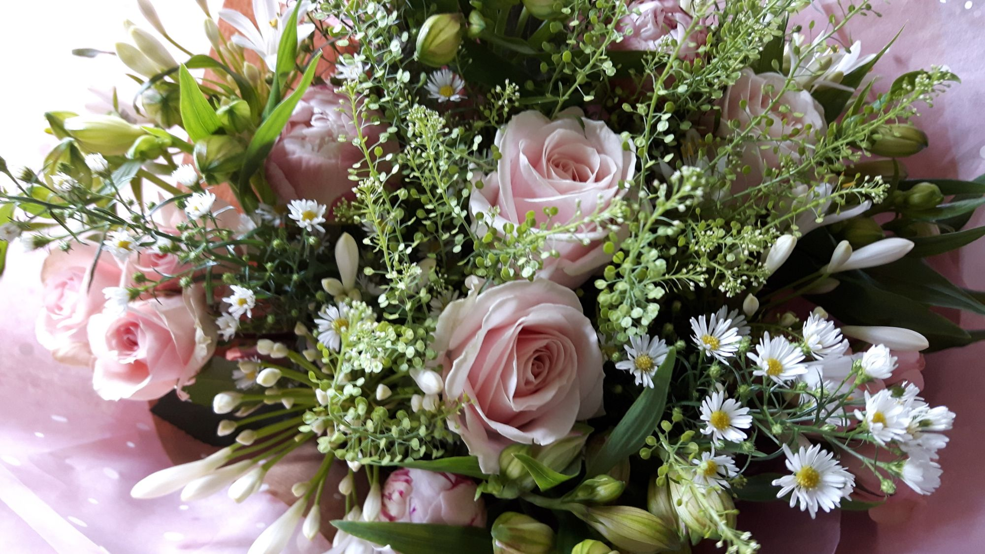 send flowers to Burgess Hill