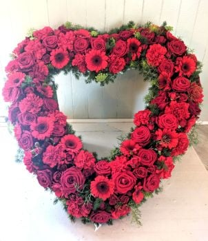 Rose, Carnation & Gerbera Open Heart