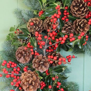 Classic Winter Berry Garland