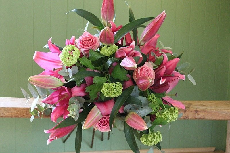 classic pink lily bouquet