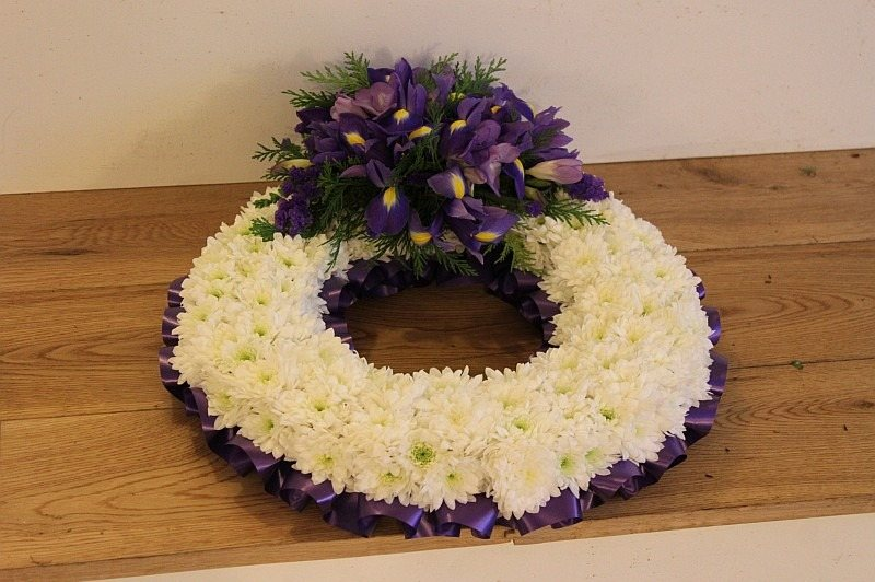 c1 white and purple wreath