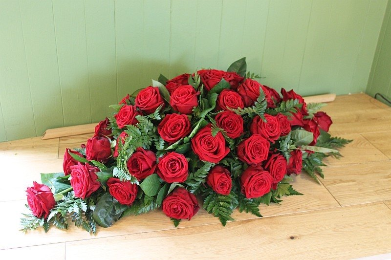 c1 red rose spray