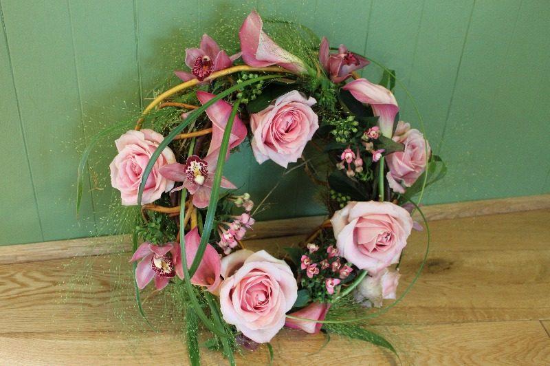c1 contemporary wreath