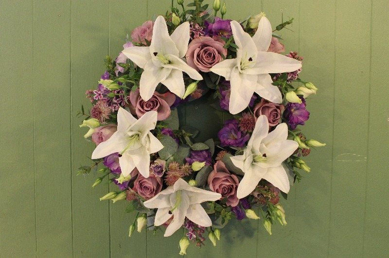 c1 white and lilac wreath