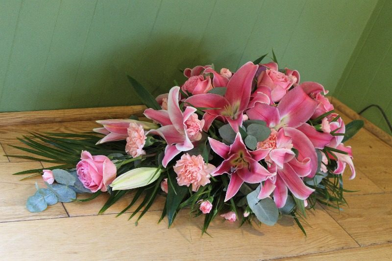 c1 se pink rose and lily spray