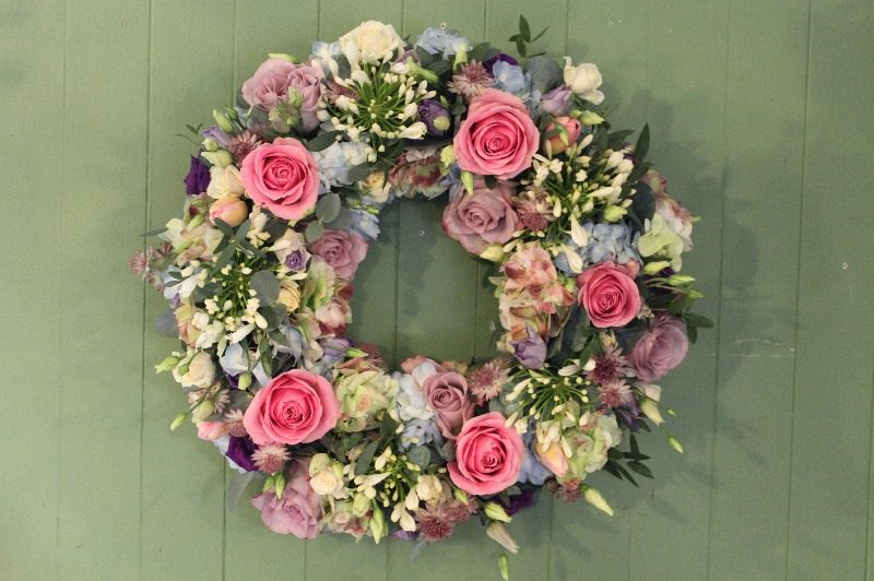 c1 w pastle wreath