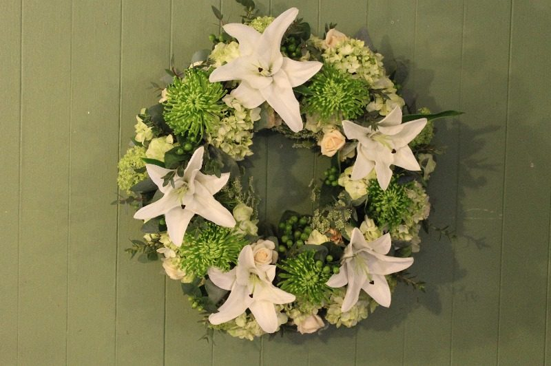 c1 w green and white wreath