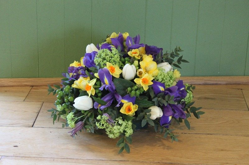 yellow blue white lime posy